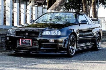 Nissan GTR R34 V-Spec II Nur for sale JDM EXPO (N.8156)